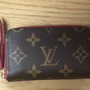 Authentic Louis Vuitton ZIPPY MULTICARTES M61299